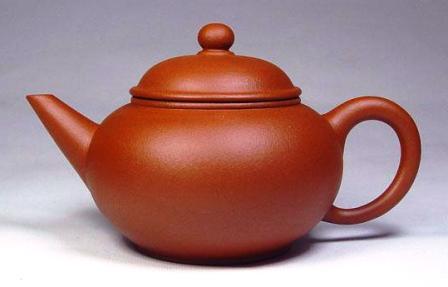 Чайник типа Шуйпин (уровень): классическая форма с заострённым и прямым носиком плюс классический цвет глины
