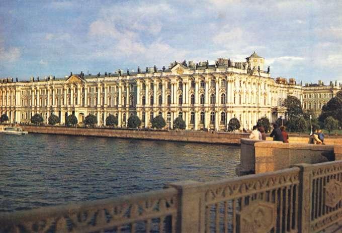 В Зимнем дворце открылась выставка старинных чайников