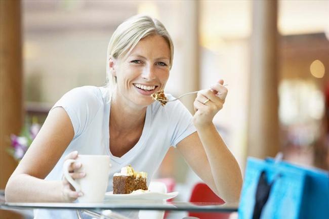 Травяной чай сохраняет женскую молодость