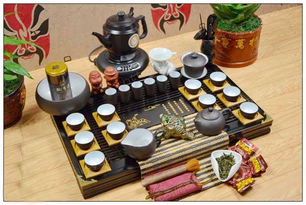 Разнообразие посуды для чайной церемонии