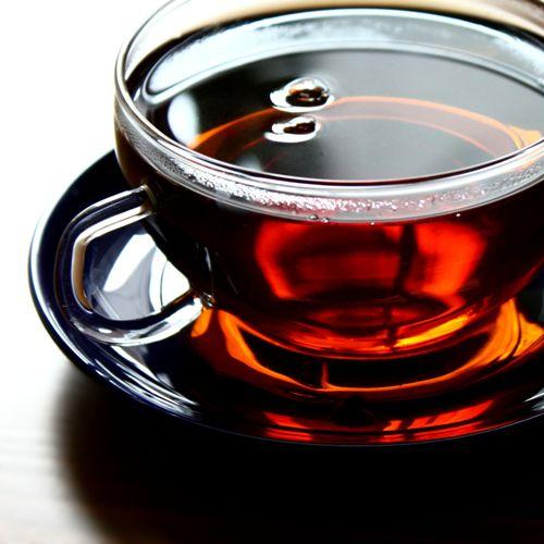Потребление черного чая приводит к проблемам с костями?