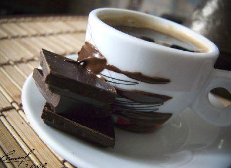 Чай с шоколадкой продлевает жизнь – ученые
