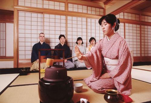 Как проводить чайную церемонию?