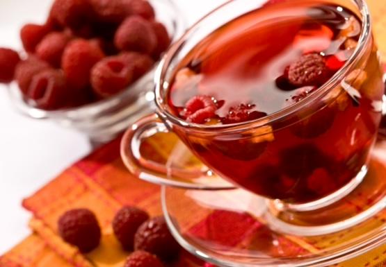 Ученые расшифровали целебные свойства чая с малиной