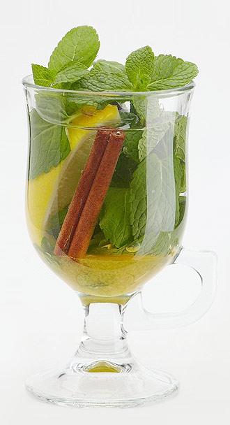 Чай с мятой – свойства, польза, противопоказания