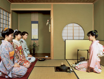 Проведение церемонии чаепития в Японии