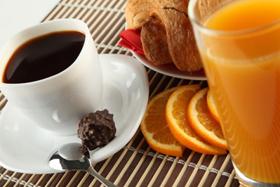 Чай с апельсиновым соком и коньяком