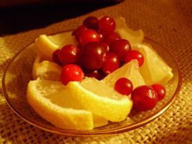 Чай с лимоном и клюквой