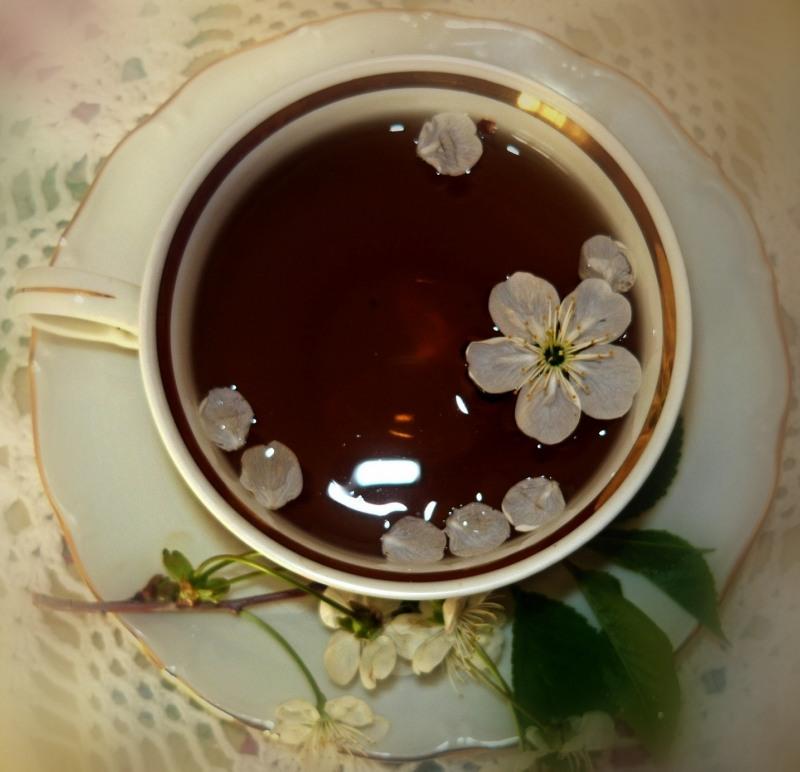 Чай с вишней и ванилью
