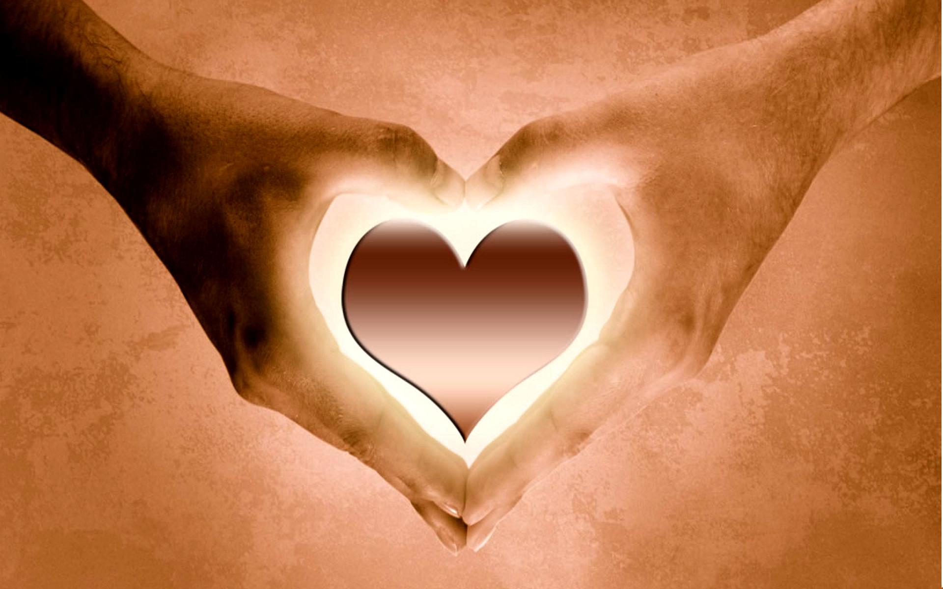 Как в День Святого Валентина поздравить свою вторую половинку