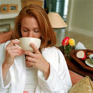 Содержащиеся в чае кофеин и флавоноиды имеют противоположные эффекты