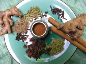 Горячий индийский чай с пряностями