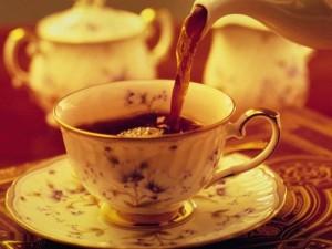 Чайный флип с черной смородиной