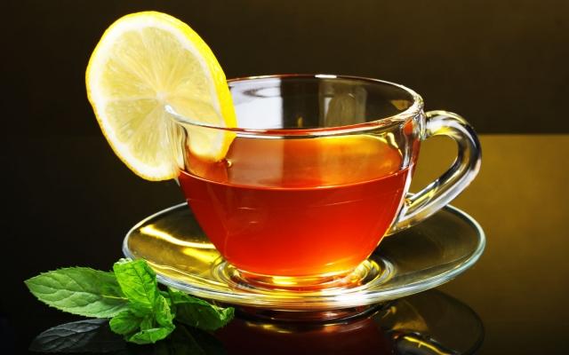 Индийский лимонно-кардамоновый чай