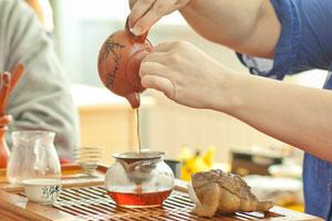 Чай как искусство, чаепитие как целая церемония: в Каменске-Уральском появился «чайный клуб»