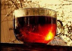 Черный чай по утрам нормализует давление, — ученые о свойствах
