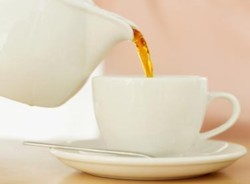 Нормализовать высокое давление помогает чай и кофе