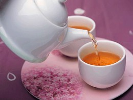 Ученые: чай предотвращает кариес и снимает воспаление во рту