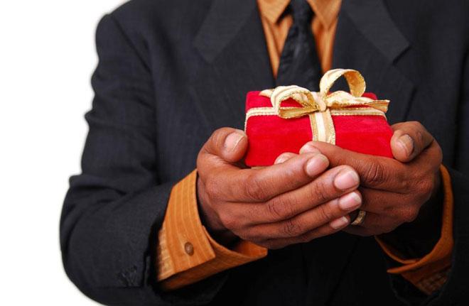 Выбираем подарок для начальника на Новый год
