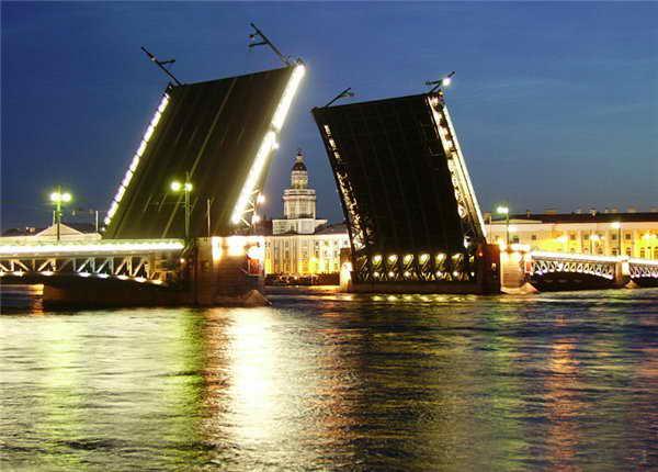 Недорогие гостиницы в центре Санкт-Петербурга