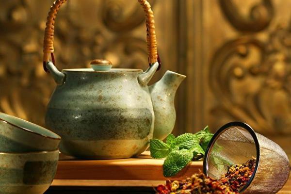 Чай, сок и минеральная вода в рецептах женской красоты и здоровья