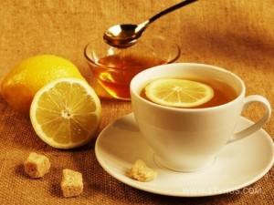 Чай с медом полезен тем, кто работает за компьютером
