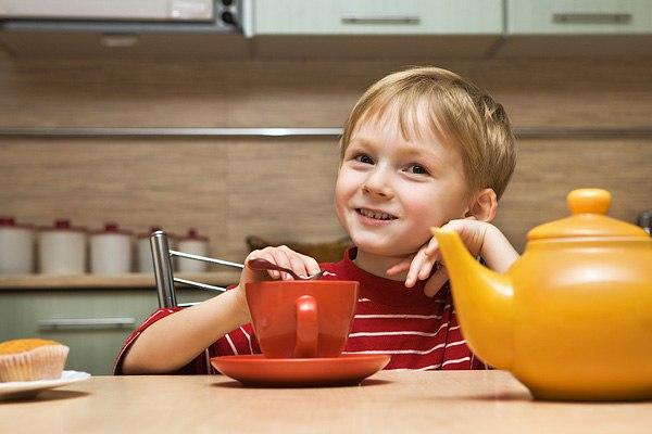 Чай – важный элемент детского питания