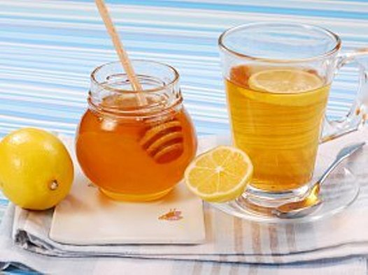Чай с медом очень полезен для глаз