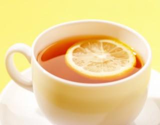 Сахар, мед, лимон и молоко уничтожат всю пользу чая