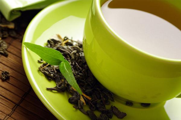 Зеленый чай намного полезнее черного