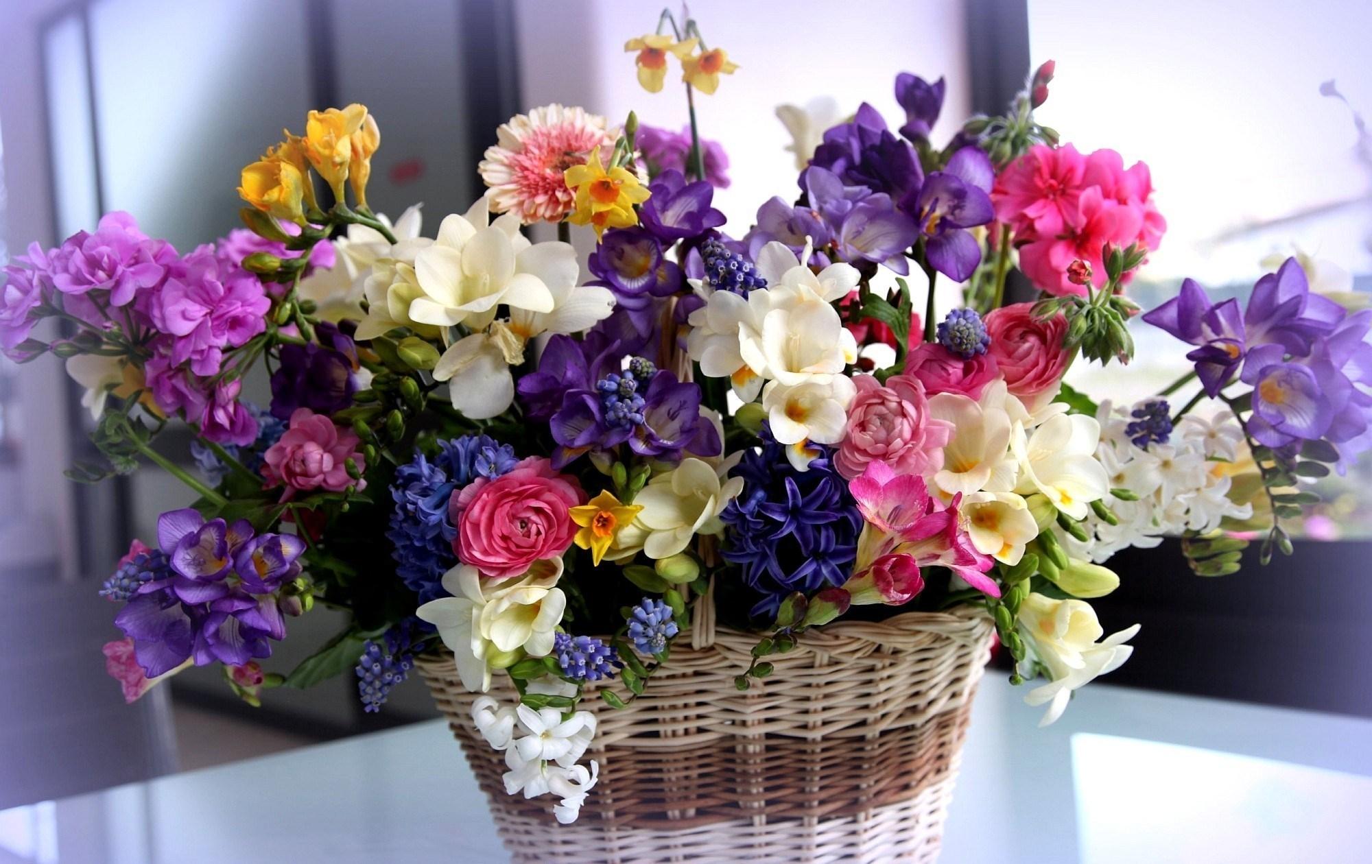 Шедевры из живых цветов