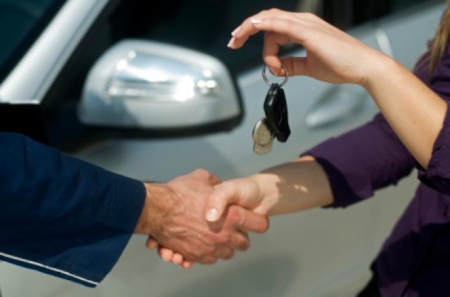 Машина – обязательный атрибут успешного и уверенного человека