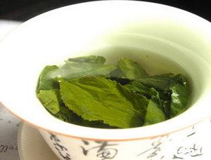 Зеленый чай отбелит зубы