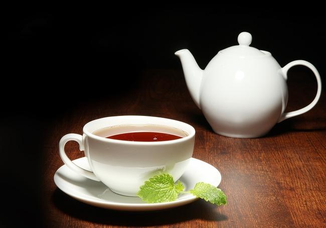 Эксперты назвали самые полезные добавки к чаю
