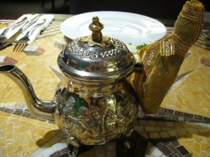 Чай является универсальным напитком и поэтому он довольно распространен и популярен во многих странах мира