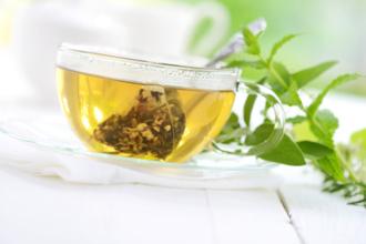 Чай может навредить сосудам и желудку