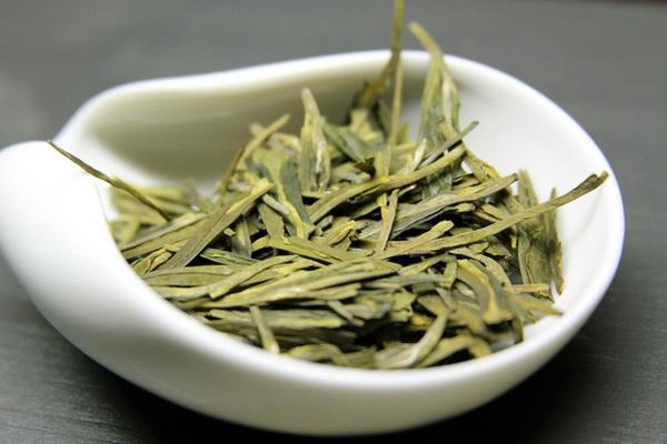 Зеленый чай сможет защитить от СПИДа