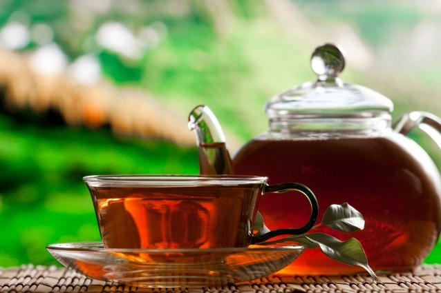 Черный чай способен защитить от переломов