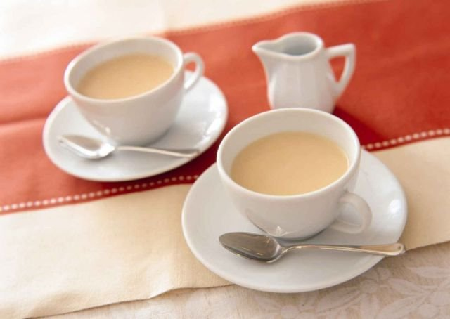 Чай с молоком снижает свою эффективность