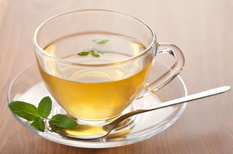 При лечении глаукомы необходимо включать в рацион зеленый чай и шоколад — исследование