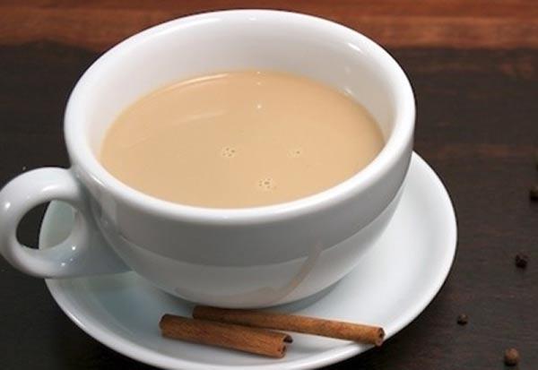 Почему чай с молоком лучше не смешивать