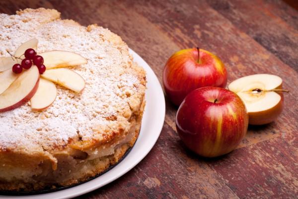Вкуснейший яблочный пирог к чаю