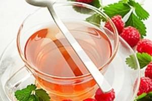 Чай из малины – употребление во время беременности