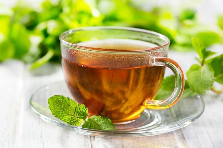Пережить потепление помогут мятный чай и массаж