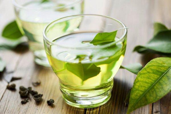 Зеленый чай защитит от лишнего веса и морщин, — ученые
