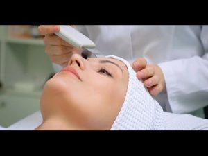 Ультразвуковая чистка лица с помощью инновационного аппарата