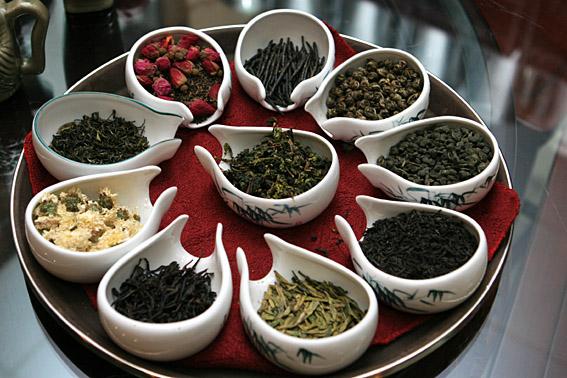Пять вкусных видов чая, которые можно заварить вместо черного