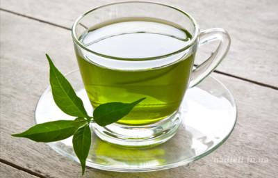 Зеленый чай полезен при простуде, черный — повышает давление