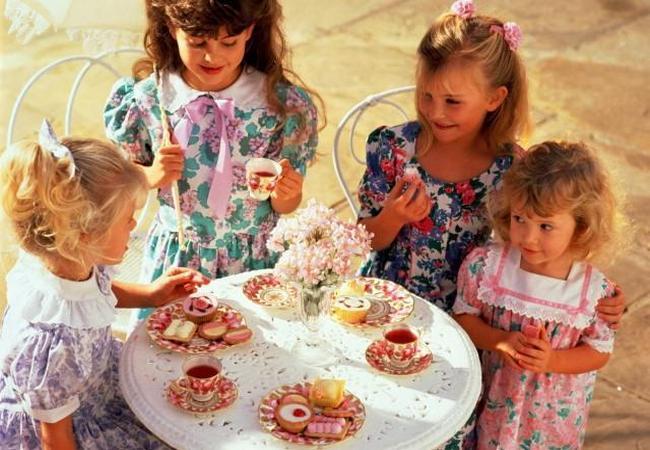 Идеальное чаепитие для маленьких принцесс