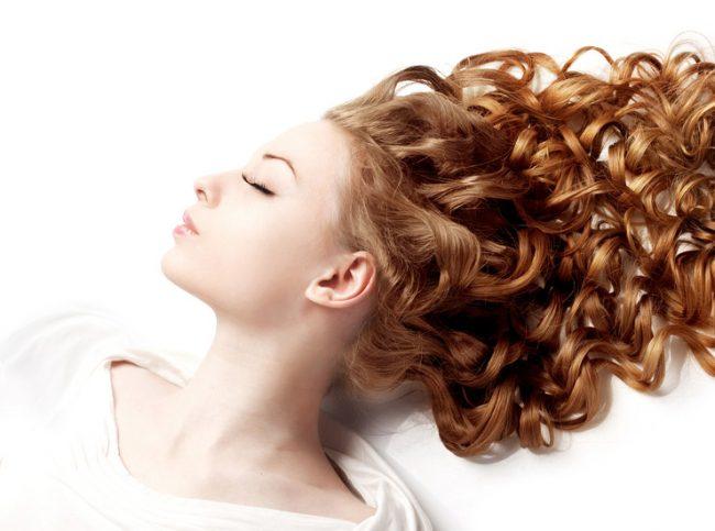Уход за непослушными вьющимися волосами